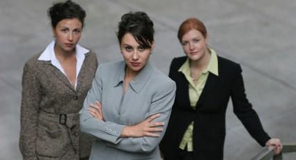 קוד לבוש לנשים בפוליטיקה, נשים וקריירה, קוד לבוש לנשות עסקים