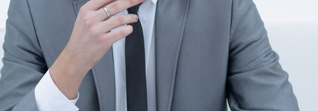 חליפה לעסקים -אני פרידמן