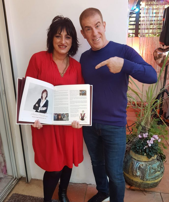 סוף סוף הספר הגיע מהודו....בתמונה עם גלעד עדין במסיבה אצל אורלי שי